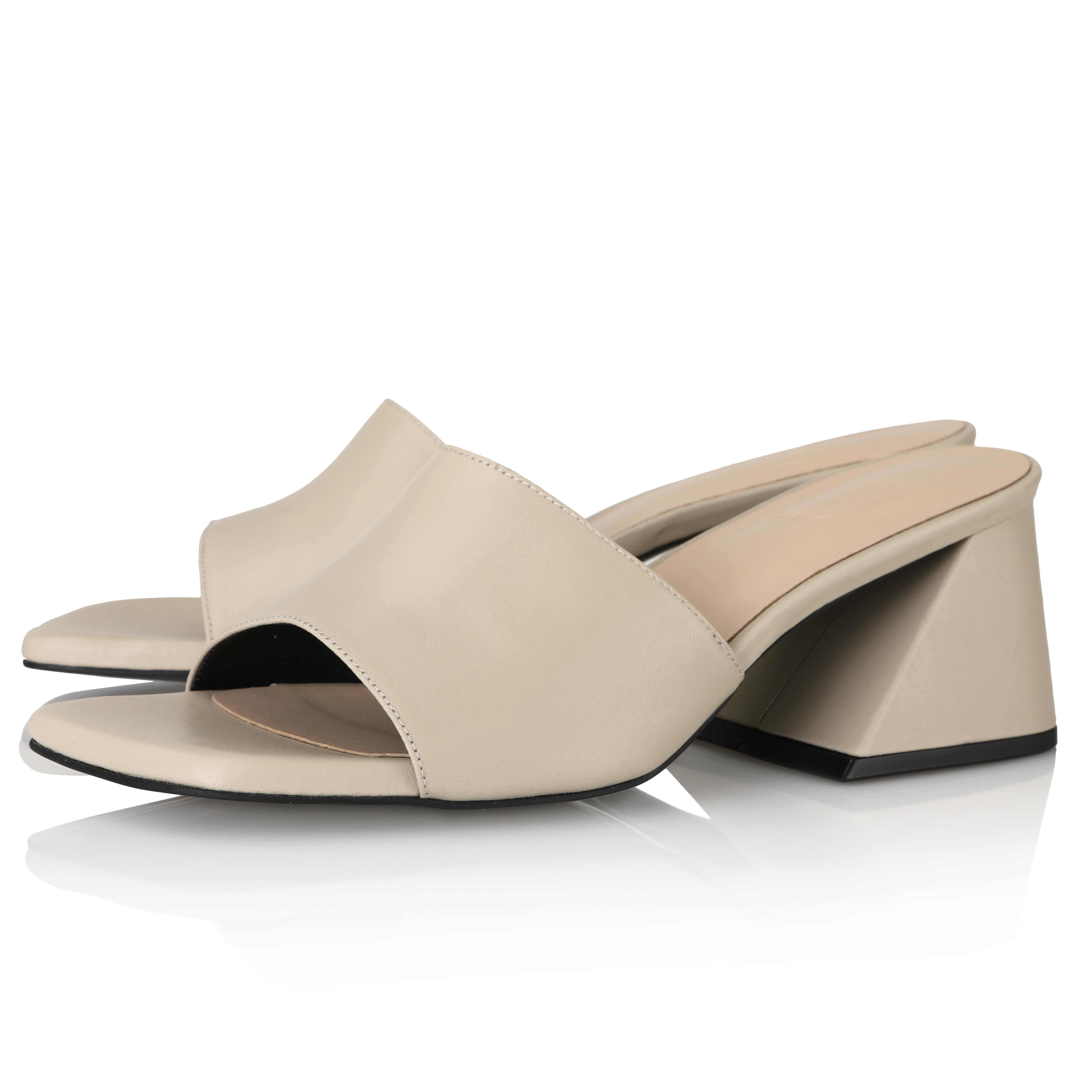 Y.01 Jane Candy Y Mules / YY20S-S47 / Sand Beige